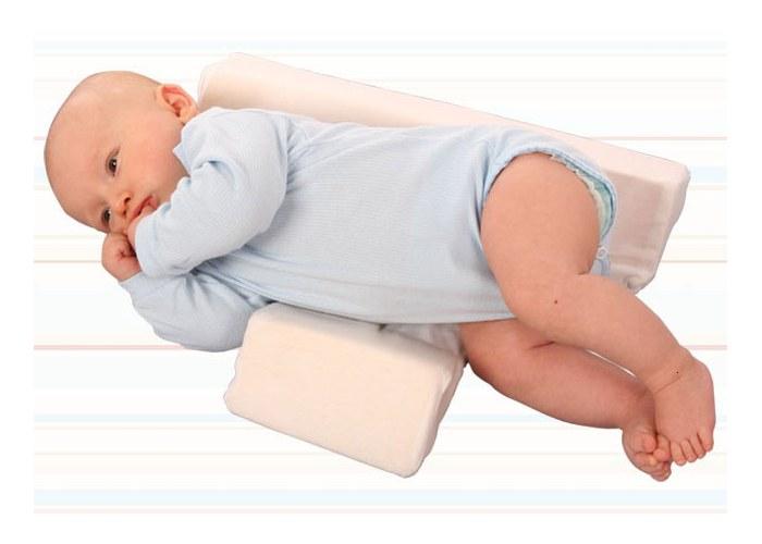 Со скольки можно спать на подушке новорожденному